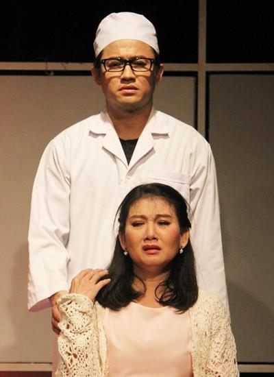 NSƯT Mỹ Uyên: Nữ diễn viên đa diện cùng tình yêu bất chấp với sân khấu kịch - Ảnh 8.