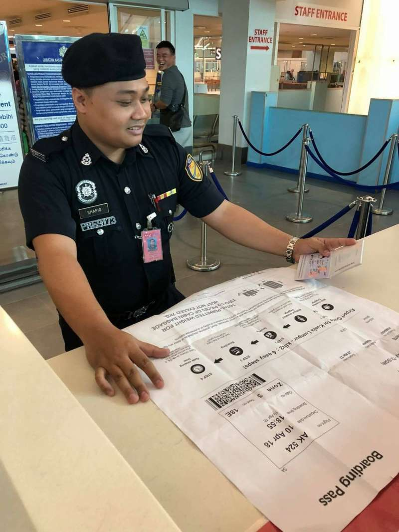 Du lịch tới Việt Nam, chàng trai trẻ người Malaysia bị bạn thân chơi khăm một vố dở khóc dở cười - Ảnh 3.