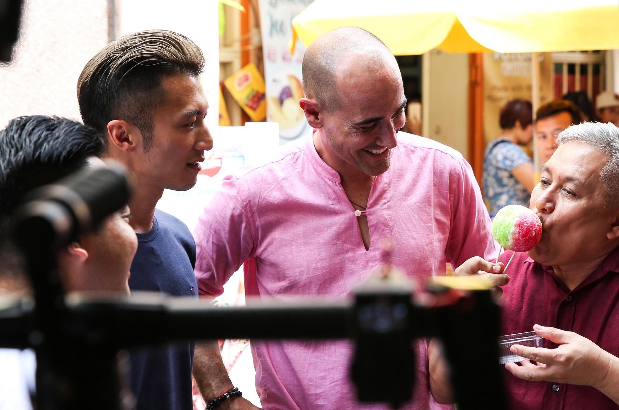 Lần thứ 3 thua cuộc trước Tạ Đình Phong, đầu bếp Tây bức xúc: Món đường phố mà muốn trang trí đẹp mắt? - Ảnh 3.