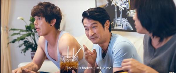 """Đại chiến phim Việt nửa cuối tháng 4: Phim """"lầy"""" đối đầu phim """"sến""""! - Ảnh 8."""