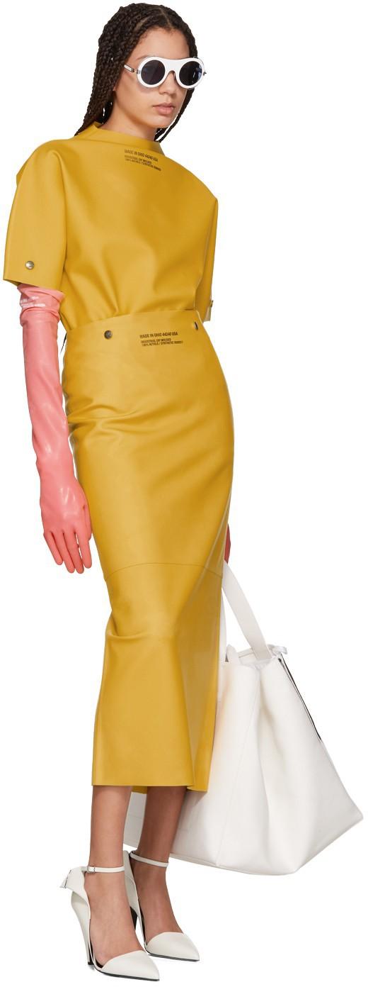 Găng tay thời trang gần 9 triệu đồng của Calvin Klein không khác gì găng tay rửa bát - Ảnh 2.