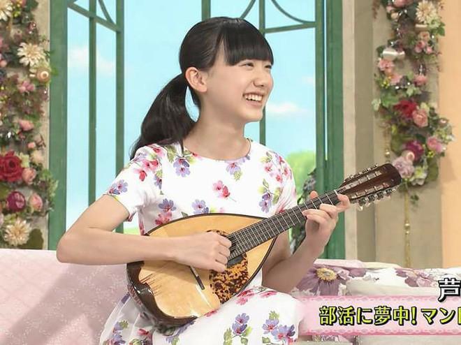 Mana-chan, cô bé đang gây sốt với clip quên người yêu cũ đi, vì vẫn còn 3 tỷ 50 triệu đàn ông trên thế giới là ai? - Ảnh 13.
