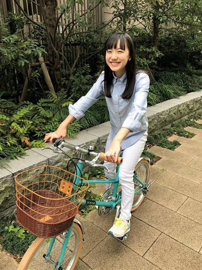Mana-chan, cô bé đang gây sốt với clip quên người yêu cũ đi, vì vẫn còn 3 tỷ 50 triệu đàn ông trên thế giới là ai? - Ảnh 20.