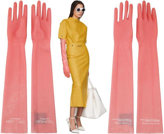 Găng tay thời trang gần 9 triệu đồng của Calvin Klein không khác gì găng tay rửa bát - Ảnh 3.