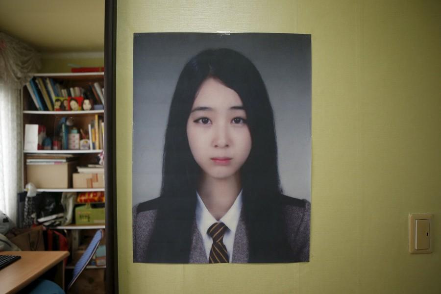 Những hình ảnh trong vụ chìm phà Sewol khiến hơn 300 người thiệt mạng vẫn khiến mọi người ám ảnh - Ảnh 25.