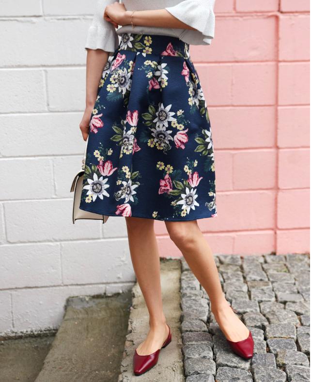 Chẳng cần đến cao gót lênh khênh, nàng công sở vẫn đầy duyên dáng với muôn kiểu kết hợp giày bệt này - Ảnh 8.