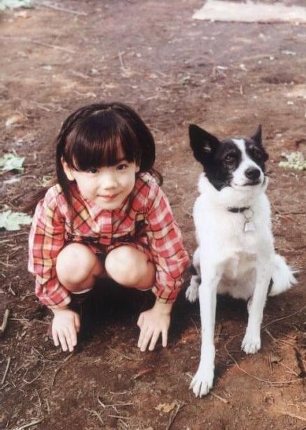 Mana-chan, cô bé đang gây sốt với clip quên người yêu cũ đi, vì vẫn còn 3 tỷ 50 triệu đàn ông trên thế giới là ai? - Ảnh 9.