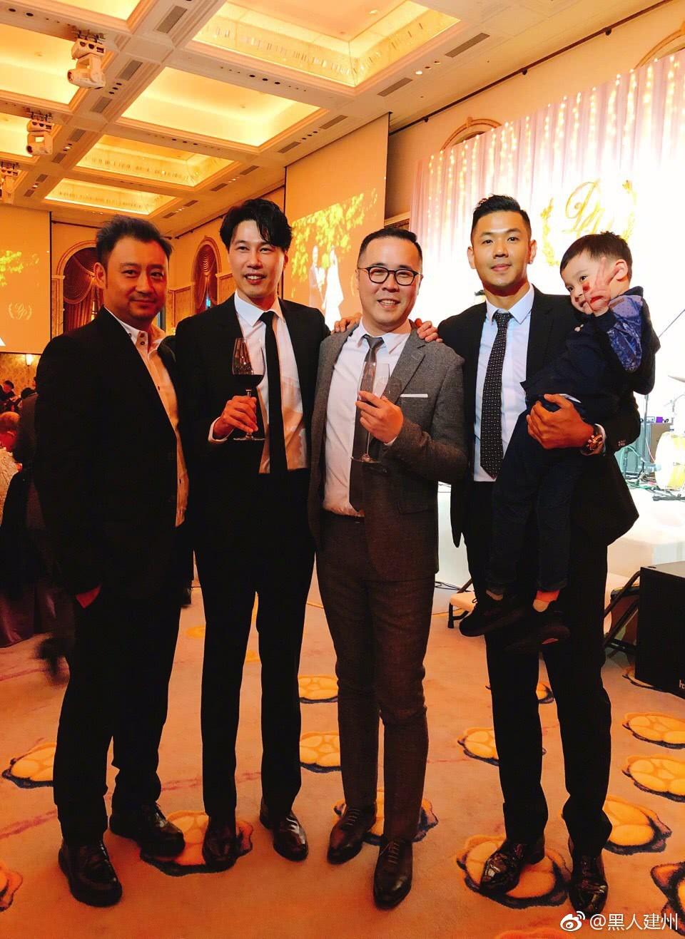 Đám cưới hoành tráng mời nửa showbiz Đài: Cô dâu năm nay đã 54 tuổi - Ảnh 8.
