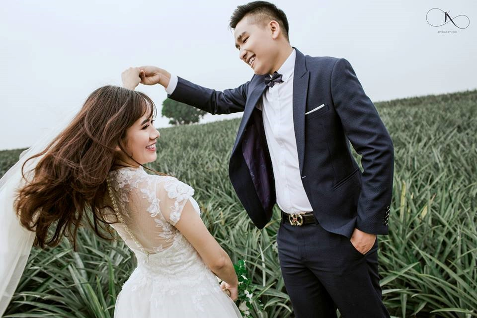 """Dân tình phát sốt với bộ ảnh cưới trong trẻo """"Vẽ giấc mơ tình yêu"""" trên cánh đồng dứa Ninh Bình - Ảnh 12."""