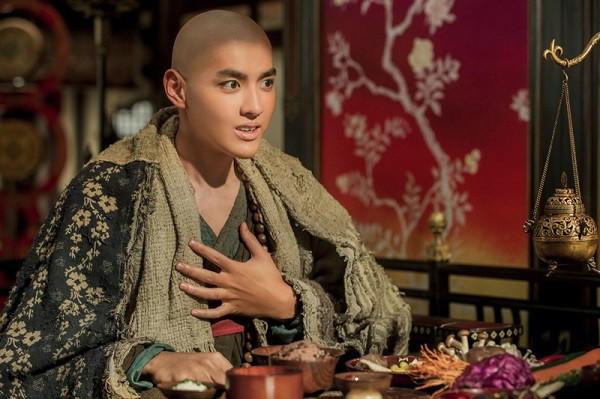 """Được ca tụng hết lời về nhan sắc, nhưng sao 7 diễn viên Hoa ngữ này lại...""""thường"""" thế? - Ảnh 15."""