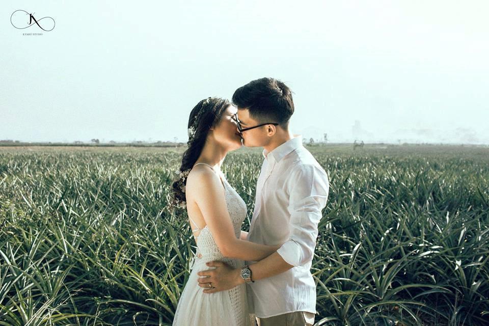 """Dân tình phát sốt với bộ ảnh cưới trong trẻo """"Vẽ giấc mơ tình yêu"""" trên cánh đồng dứa Ninh Bình - Ảnh 8."""