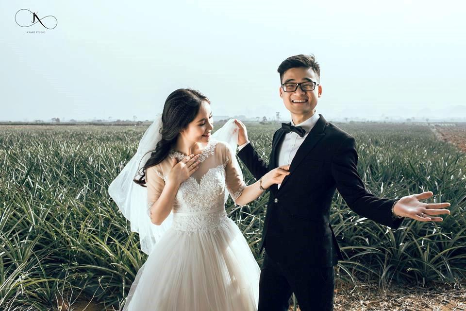 """Dân tình phát sốt với bộ ảnh cưới trong trẻo """"Vẽ giấc mơ tình yêu"""" trên cánh đồng dứa Ninh Bình - Ảnh 9."""