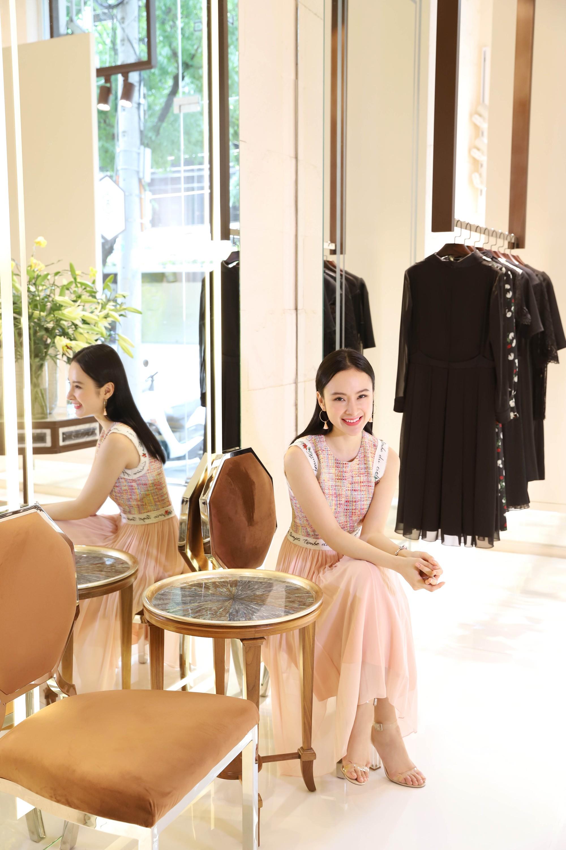 Đỗ Mỹ Linh, Jun Vũ, Quỳnh Anh Shyn cùng loạt sao tất bật lên đồ, chuẩn bị đọ sắc tại show của NTK Công Trí - Ảnh 10.