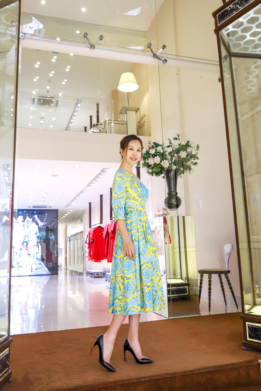 Đỗ Mỹ Linh, Jun Vũ, Quỳnh Anh Shyn cùng loạt sao tất bật lên đồ, chuẩn bị đọ sắc tại show của NTK Công Trí - Ảnh 11.
