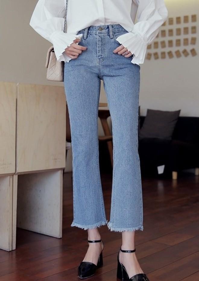 4 lưu ý giúp bạn diện quần jeans ống vẩy max đẹp - Ảnh 3.