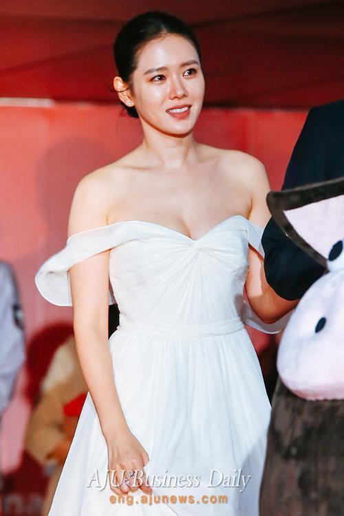 """""""Chị đẹp"""" Son Ye Jin giữ dáng bao nhiêu năm vẫn đẹp như tạc nhờ phương pháp đơn giản này - Ảnh 8."""