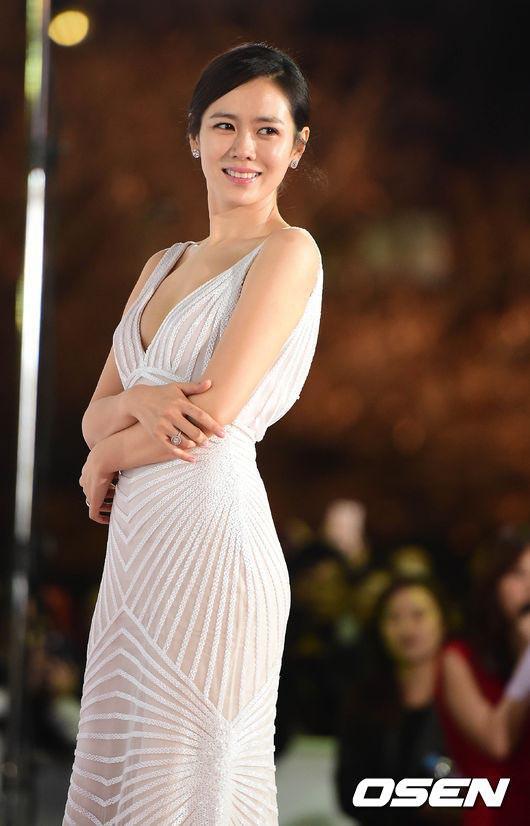 """""""Chị đẹp"""" Son Ye Jin giữ dáng bao nhiêu năm vẫn đẹp như tạc nhờ phương pháp đơn giản này - Ảnh 10."""