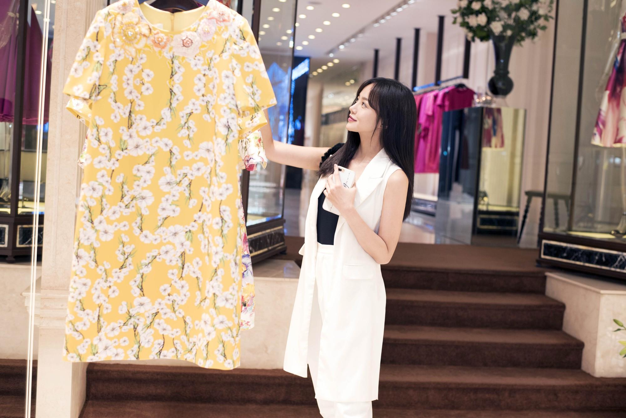 Đỗ Mỹ Linh, Jun Vũ, Quỳnh Anh Shyn cùng loạt sao tất bật lên đồ, chuẩn bị đọ sắc tại show của NTK Công Trí - Ảnh 15.