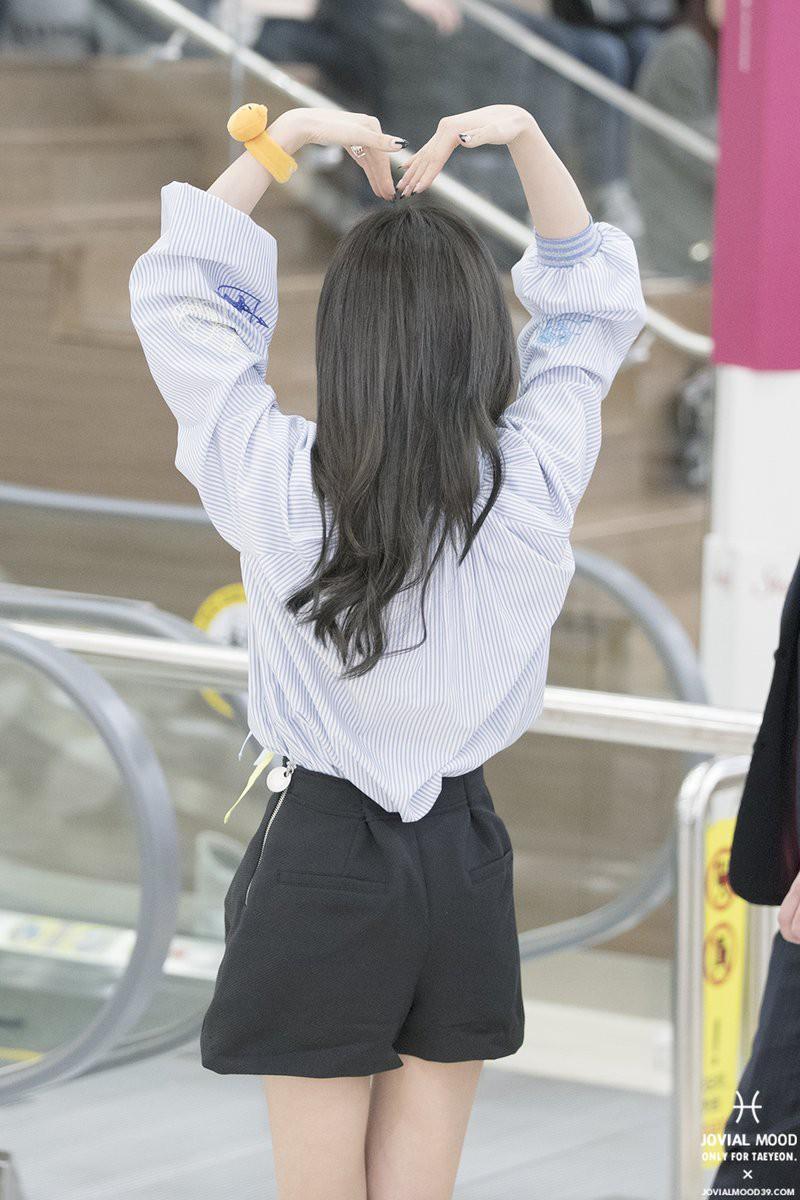 Dáng đẹp quá cũng khổ, Taeyeon lúc nào cũng chật vật với chân váy và shorts vì vòng eo siêu bé - Ảnh 3.