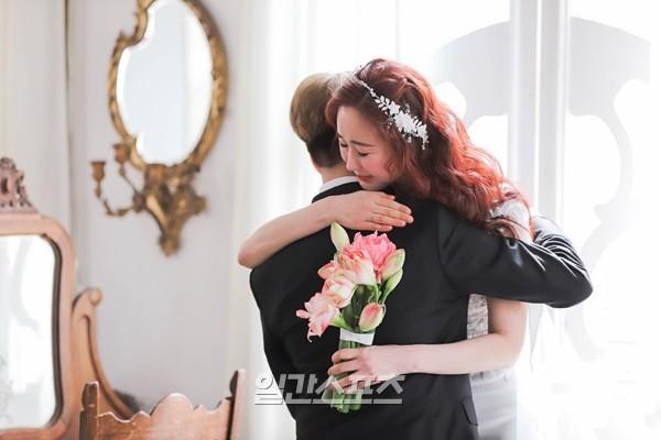 Phiên bản Chị Đẹp của showbiz: Mỹ nhân Hàn U45 cưới hotboy kém 18 tuổi, mỗi tháng cho 20 triệu tiền tiêu vặt - Ảnh 12.
