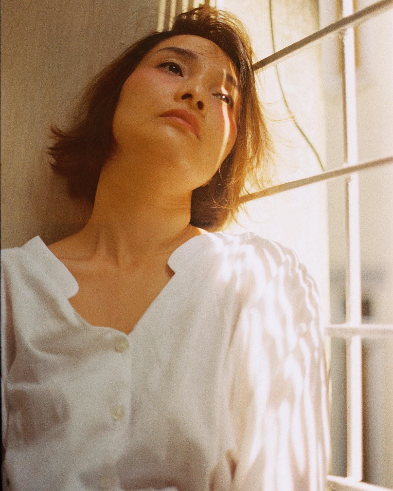 18 tuổi mới đi cafe với mẹ lần đầu tiên, con gái cho ra bộ ảnh film nàng thơ U50 so deep - Ảnh 5.