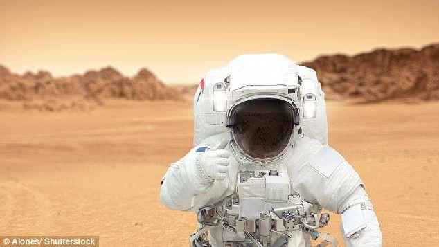 Chuyên gia NASA: Người đầu tiên đặt chân lên sao Hỏa phải là phụ nữ - Ảnh 1.