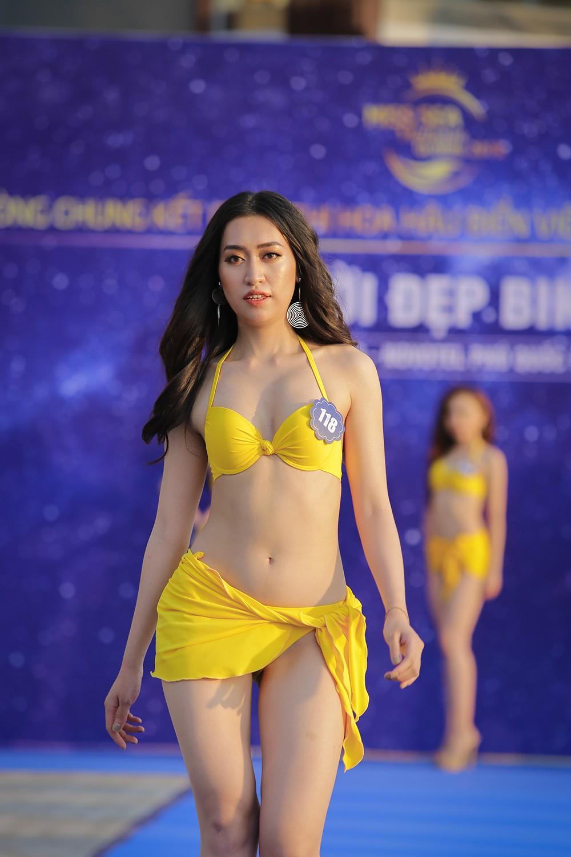 Không chỉ bị thanh tra, thí sinh Hoa hậu Biển Việt Nam toàn cầu 2018 còn lộ nhan sắc kém xinh trước thềm chung kết - Ảnh 1.