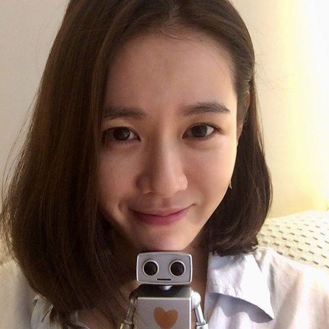 2 bước chăm sóc da cực đơn giản giúp chị đẹp Son Ye Jin luôn trẻ trung với làn da căng mịn - Ảnh 11.