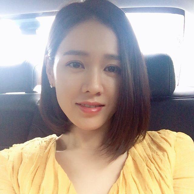 2 bước chăm sóc da cực đơn giản giúp chị đẹp Son Ye Jin luôn trẻ trung với làn da căng mịn - Ảnh 9.