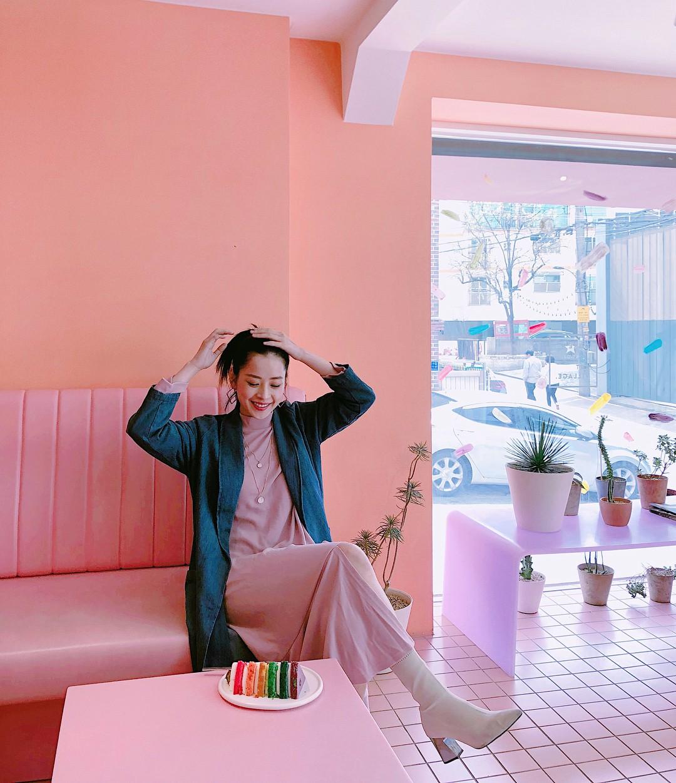 Mặc đẹp không thua kém giới trẻ Hàn, Chi Pu lọt ống kính nhiếp ảnh gia street style tại Seoul khi tới đây du lịch - Ảnh 4.