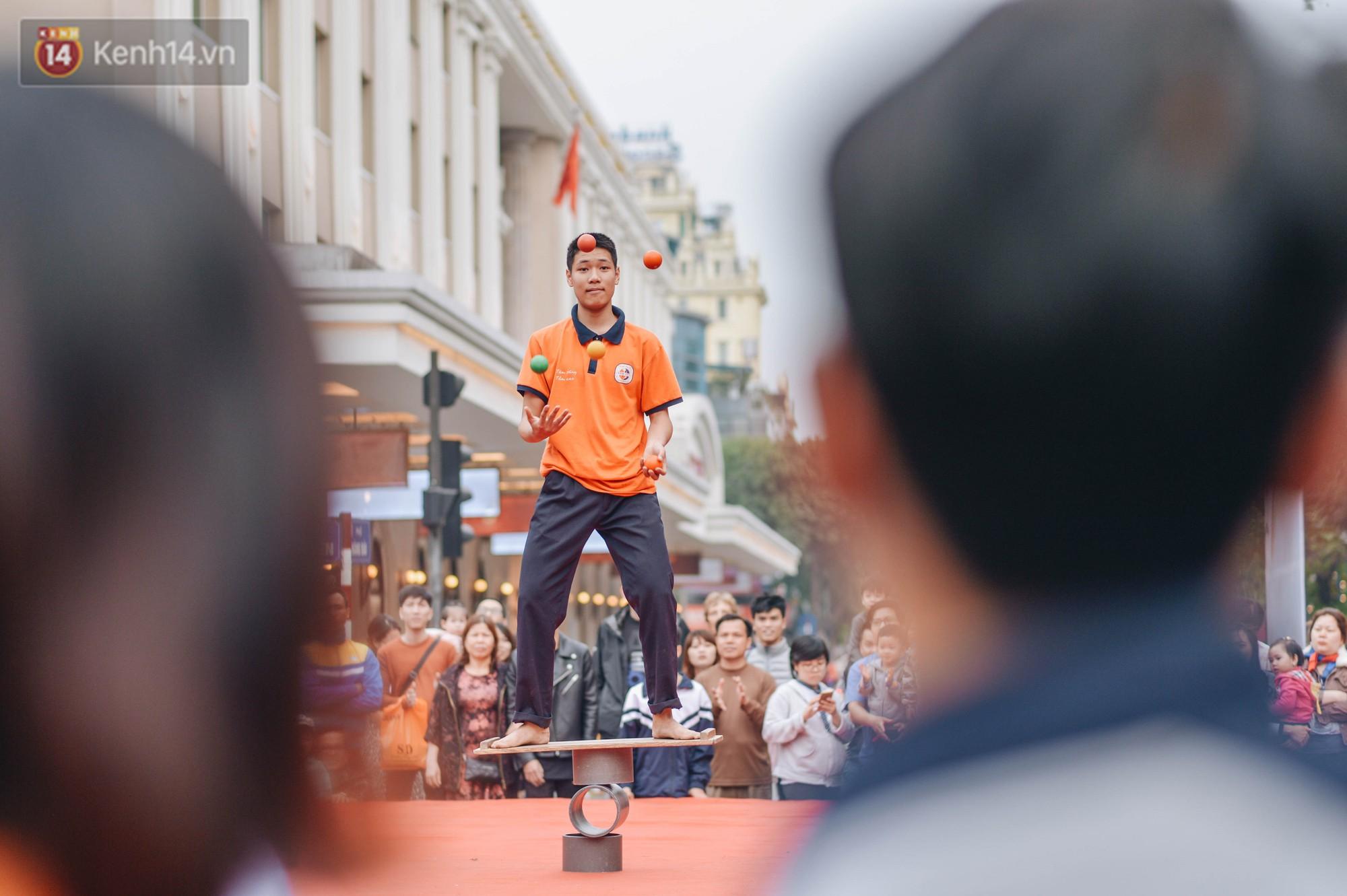 Một người cha Hà Nội viết nên cổ tích cho con trai tự kỷ thoát án chung thân, trở thành kỷ lục gia xiếc nhí Việt Nam - Ảnh 10.