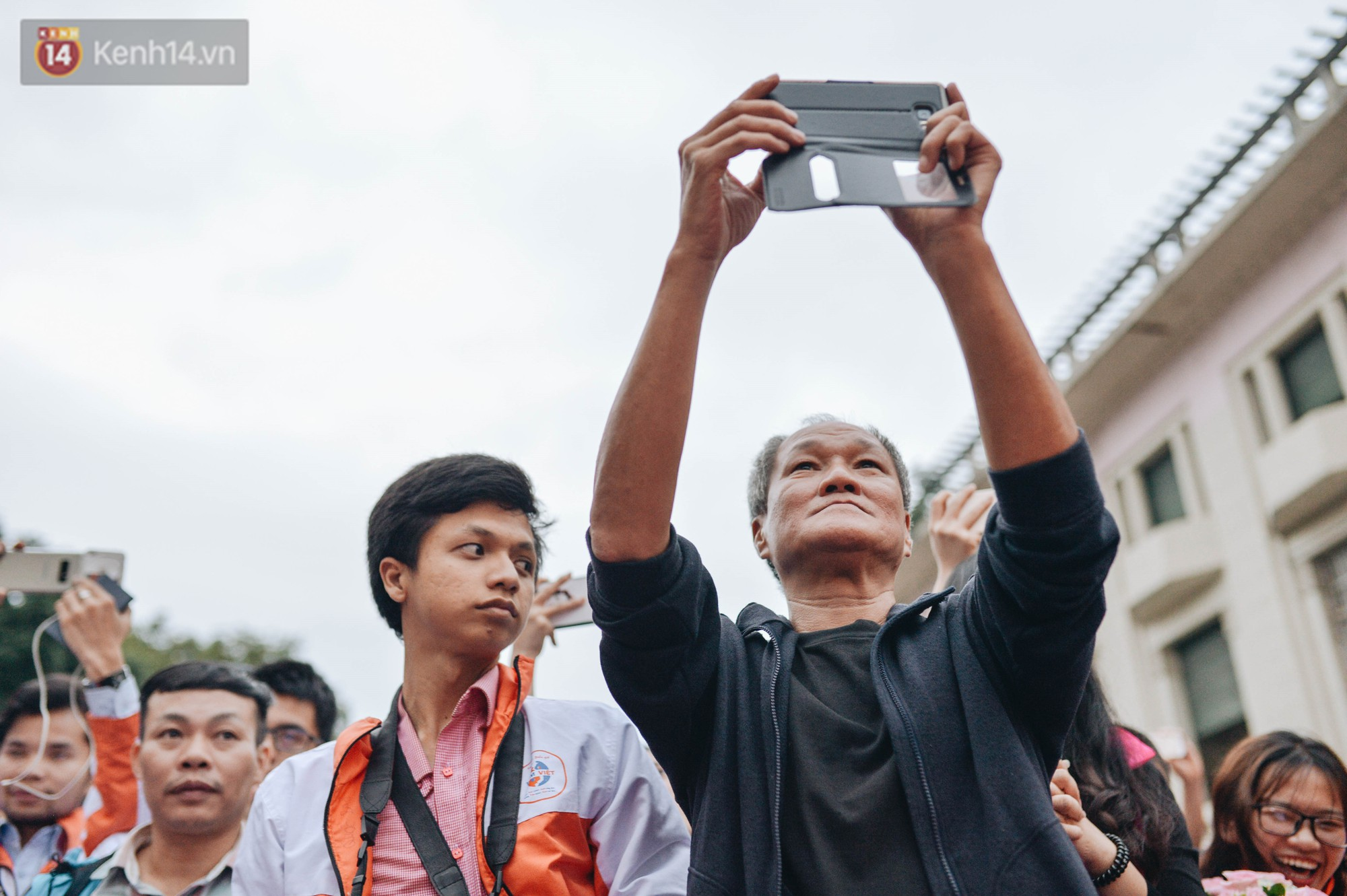 Một người cha Hà Nội viết nên cổ tích cho con trai tự kỷ thoát án chung thân, trở thành kỷ lục gia xiếc nhí Việt Nam - Ảnh 13.