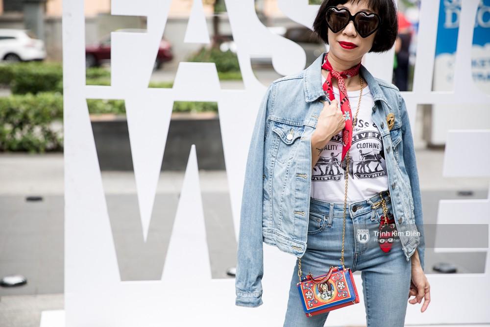 Street style ngày đầu VIFW 2018: các tín đồ thời trang Sài thành lên đồ quằn quại đốt mắt người nhìn - Ảnh 14.