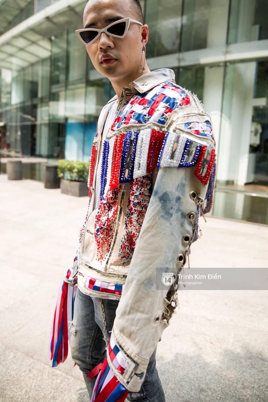Street style ngày đầu VIFW 2018: các tín đồ thời trang Sài thành lên đồ quằn quại đốt mắt người nhìn - Ảnh 16.