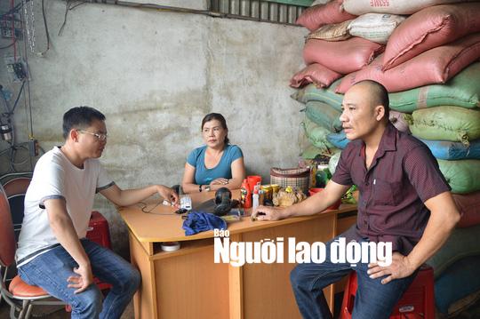 Vợ chồng bị nghi nhuộm tạp chất với than pin sản xuất cà phê nói gì? - Ảnh 1.