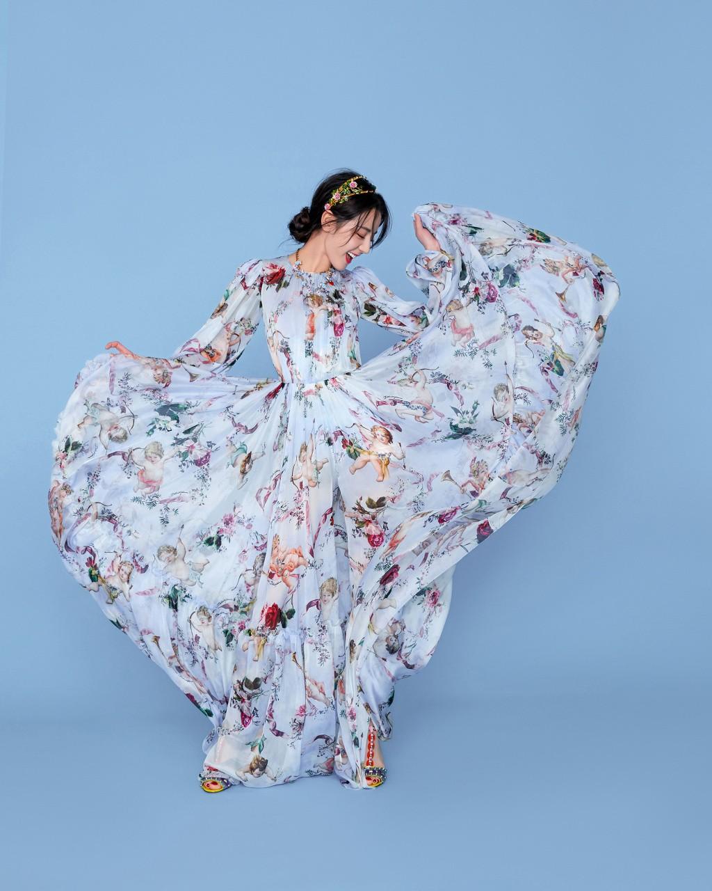 Bộ ảnh hoa tiên tử của Địch Lệ Nhiệt Ba gây bão vì quá đẹp và sang chảnh - Ảnh 4.