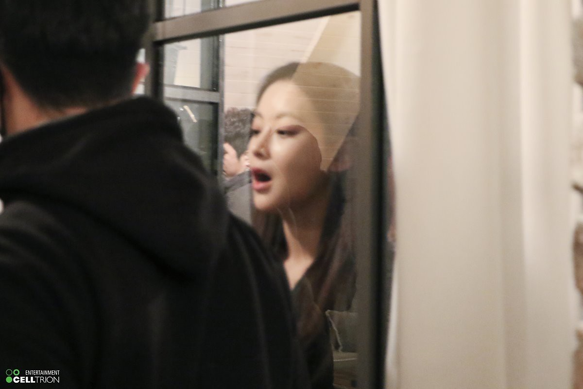 Bạn gái Kim Bum lần đầu lộ diện sau tin hẹn hò: Nhan sắc không đùa được đâu trong loạt ảnh hậu trường - Ảnh 7.
