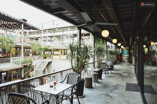 Dạo một vòng ăn uống trong khu tổ hợp ăn chơi mới toanh tại Sài Gòn - Ảnh 6.