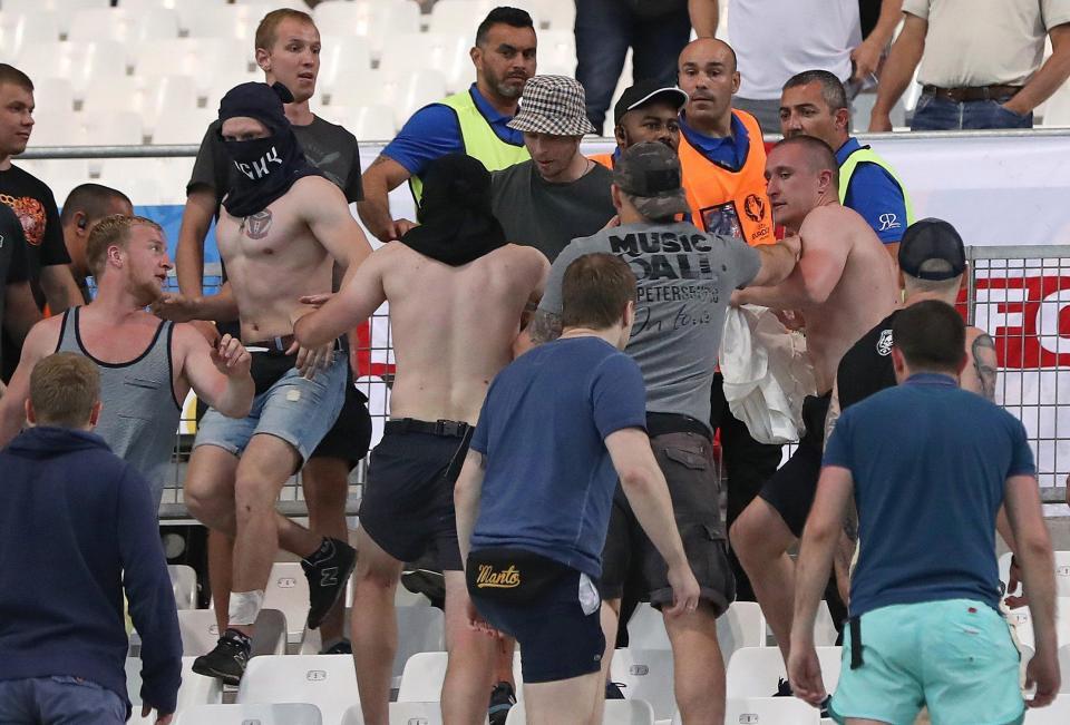 Dàn mỹ nhân WAGs tuyển Anh lo lắng trước thềm World Cup vì bị bỏ rơi - Ảnh 1.