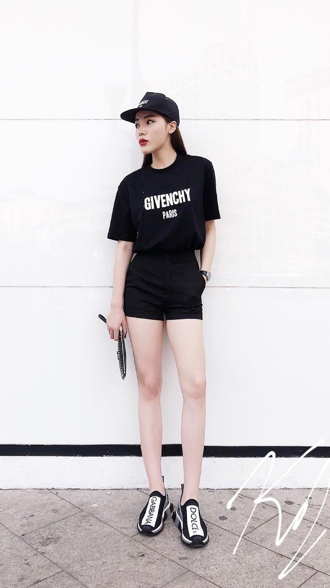 Vừa mới vào hè, sao Việt đã có cả loạt gợi ý mix đồ hay ho với áo phông để bạn áp dụng - Ảnh 1.