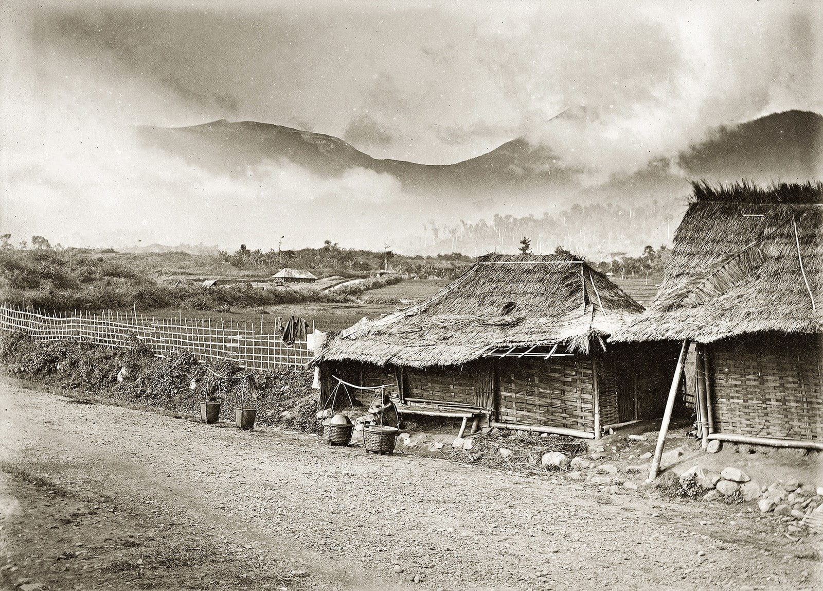 Những bức ảnh ghi lại kỷ niệm chung của nhân loại: diện mạo của thế giới vào 100 năm về trước - Ảnh 6.