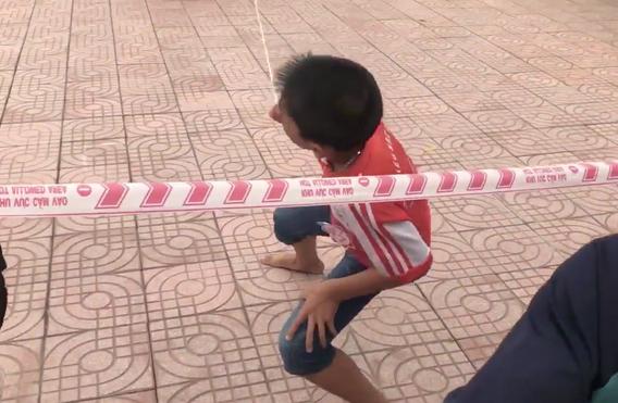 Clip vui: Màn nhảy dây lập kỷ lục 3 phút 500 phát đều như máy khâu của các em học sinh tiểu học - Ảnh 2.
