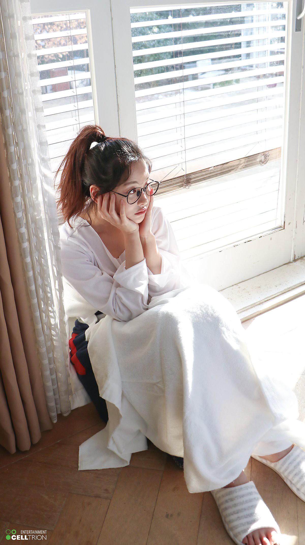 Bạn gái Kim Bum lần đầu lộ diện sau tin hẹn hò: Nhan sắc không đùa được đâu trong loạt ảnh hậu trường - Ảnh 14.