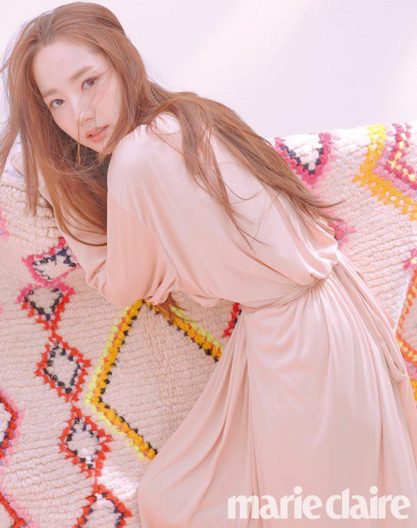 Trở lại với bộ hình đẹp ná thở, Park Min Young giờ đã biến đổi thành công đến đẳng cấp nữ hoàng dao kéo - Ảnh 2.