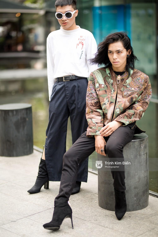 Street style VIFW ngày 2: đồ lưới, shorts, giày cao gót được... phái nam tận dụng triệt để - Ảnh 11.
