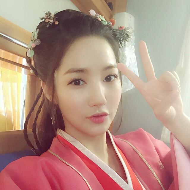 Trở lại với bộ hình đẹp ná thở, Park Min Young giờ đã biến đổi thành công đến đẳng cấp nữ hoàng dao kéo - Ảnh 5.