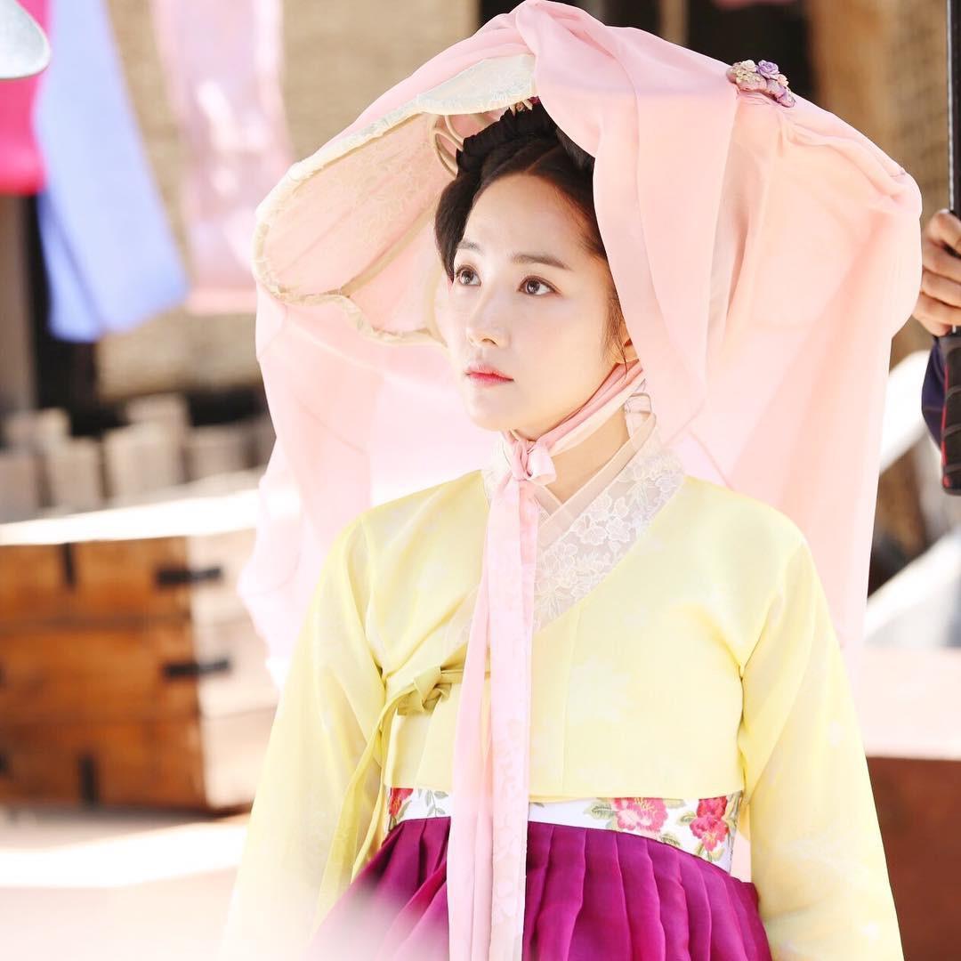 Trở lại với bộ hình đẹp ná thở, Park Min Young giờ đã biến đổi thành công đến đẳng cấp nữ hoàng dao kéo - Ảnh 12.