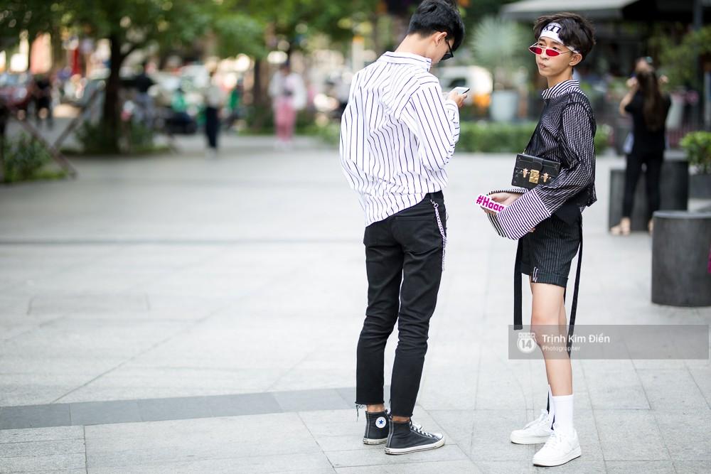 Street style VIFW ngày 2: đồ lưới, shorts, giày cao gót được... phái nam tận dụng triệt để - Ảnh 15.