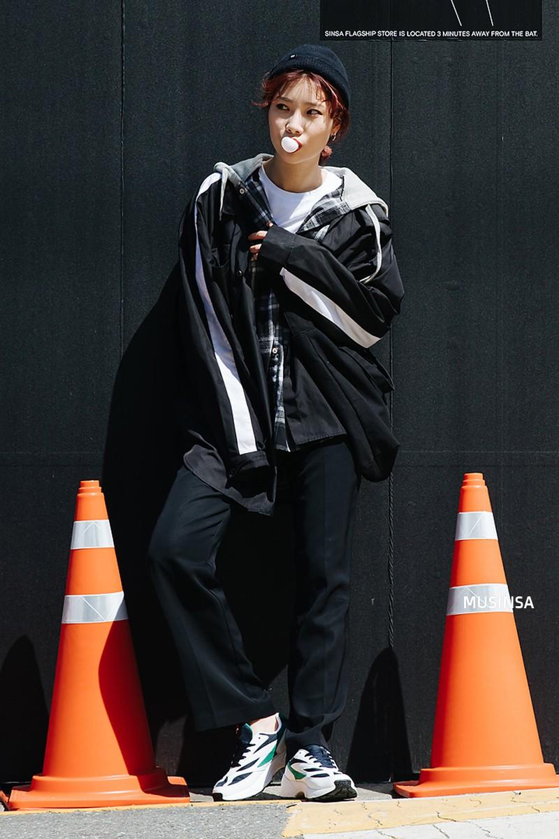 Giới trẻ Hàn thật siêu, chẳng cần diện đồ lồng lộn mà vẫn đẹp bá cháy - Ảnh 11.