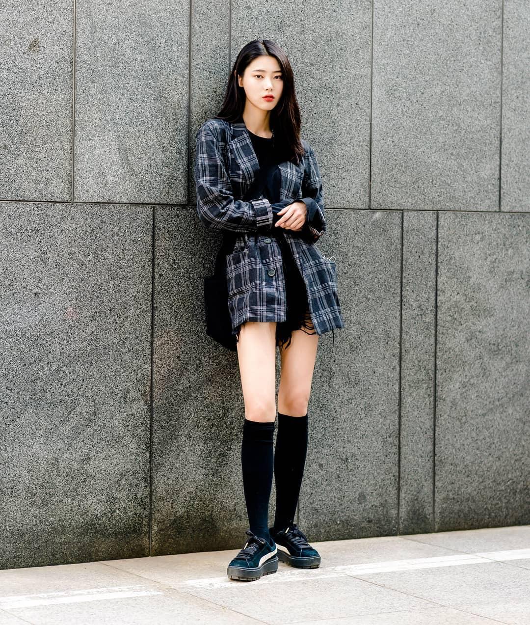Giới trẻ Hàn thật siêu, chẳng cần diện đồ lồng lộn mà vẫn đẹp bá cháy - Ảnh 1.